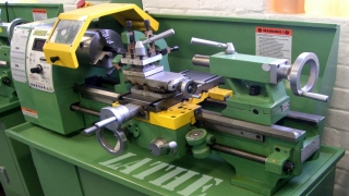 Aus/Working With Lathes Aus