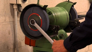 Aus/Off Hand Grinding and Safety Aus